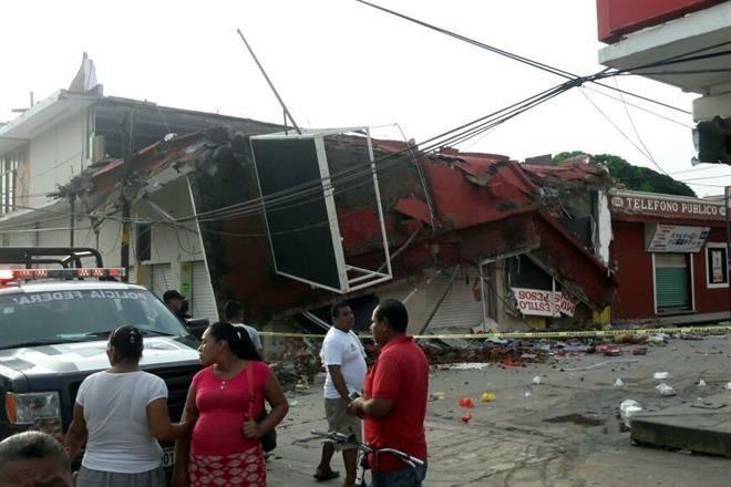 Colapsan casas y puente por nuevo sismo en Oaxaca