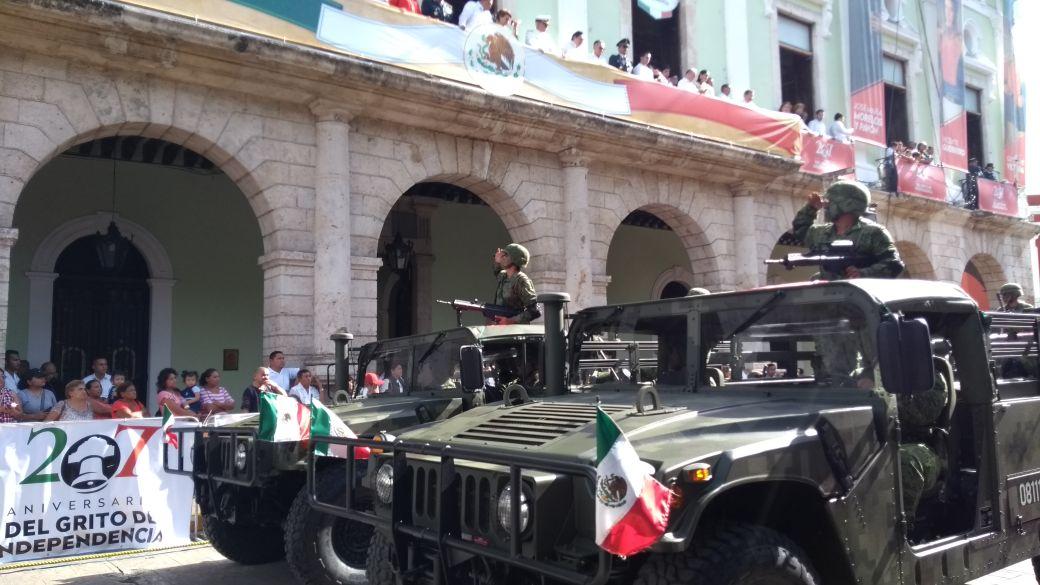 Desfile de 1 hora 40 minutos por la Independencia