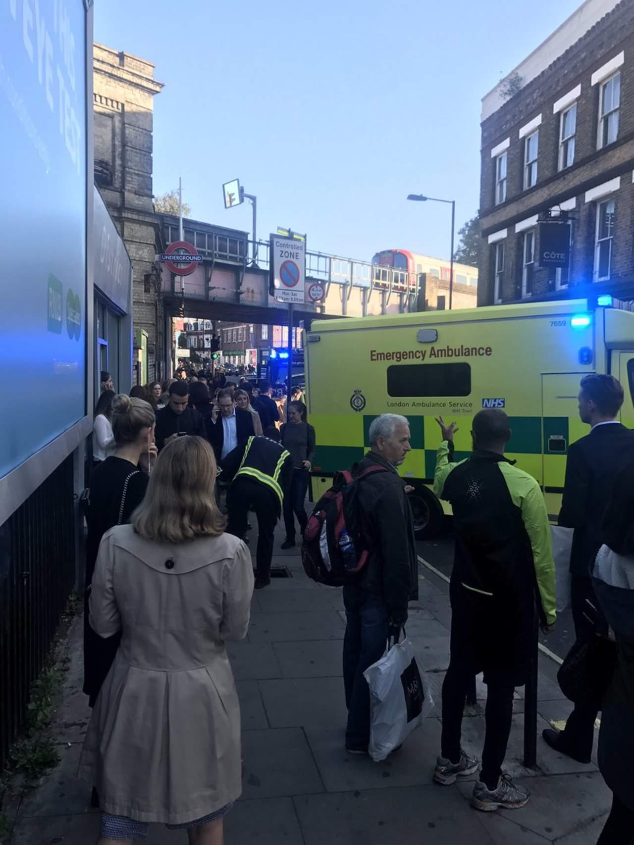 Suman 22 personas heridas por explosión en metro de Londres