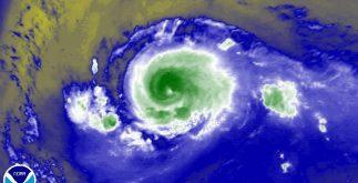 """Imagen de satélite del huracán """"Irma""""; se mantiene como categoría 2, con vientos de 175 kilómetros por hora"""