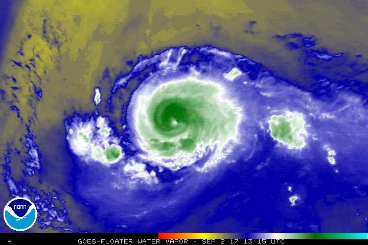 """""""Irma"""" se debilita, pero aún es peligroso"""