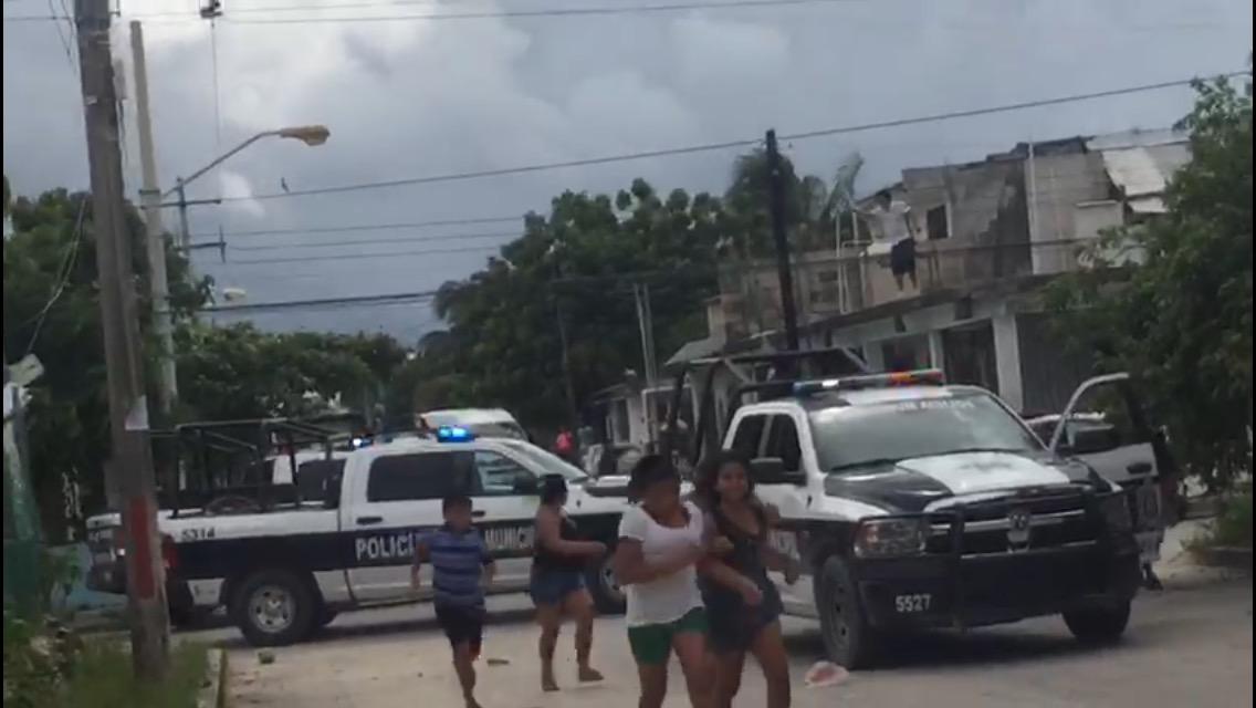 Con disparos al aire disuaden a vecinos en Cancún