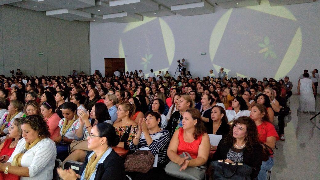 """Crónica: Yucatecas a solas con """"Peña Nieto"""" ¿qué le dijeron?"""