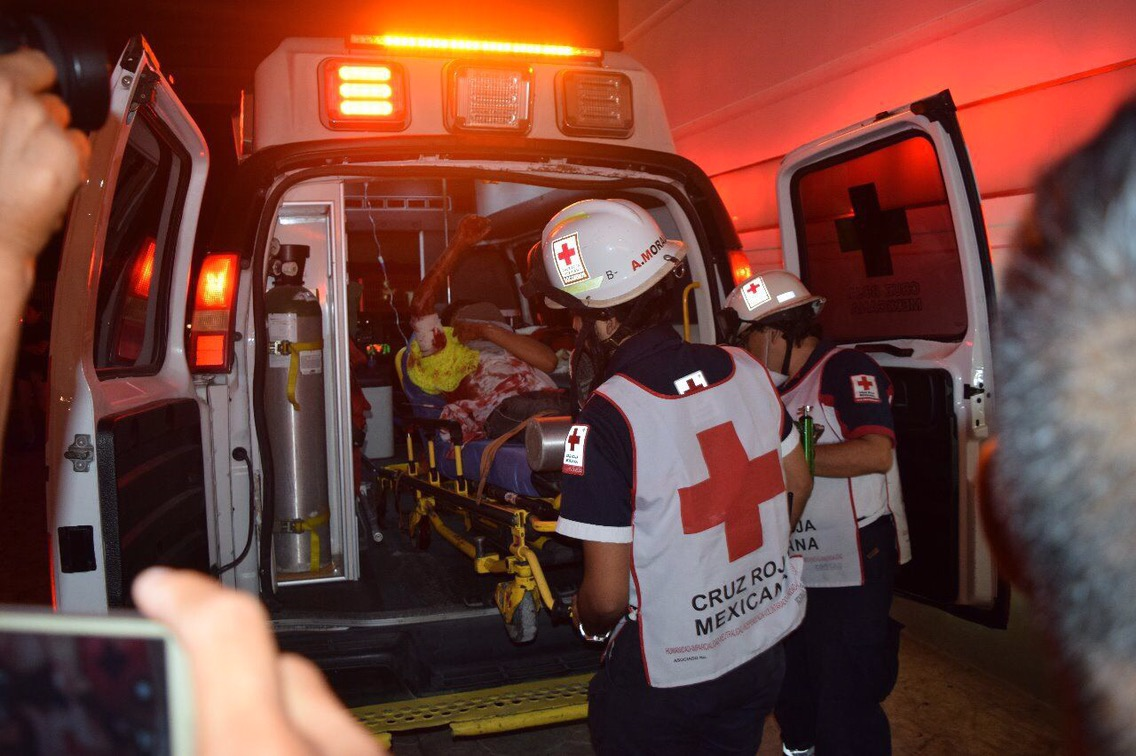 Camino a su casa, ejecutan a mujer en Cancún