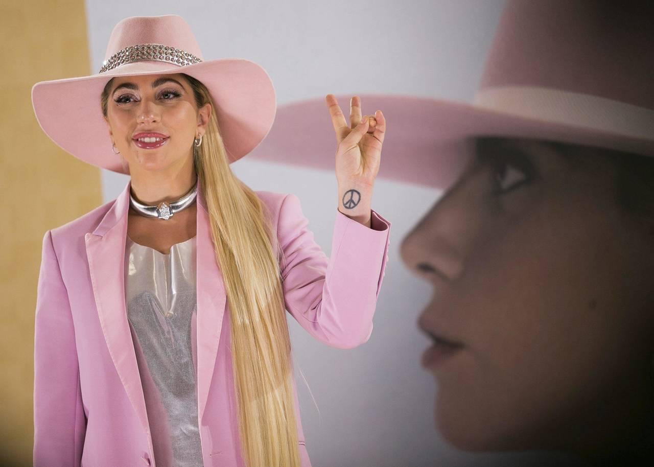 Lady Gaga cancela su gira por Europa