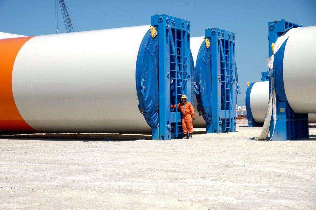 parque eolico partes aerogeneradores puerto de altura