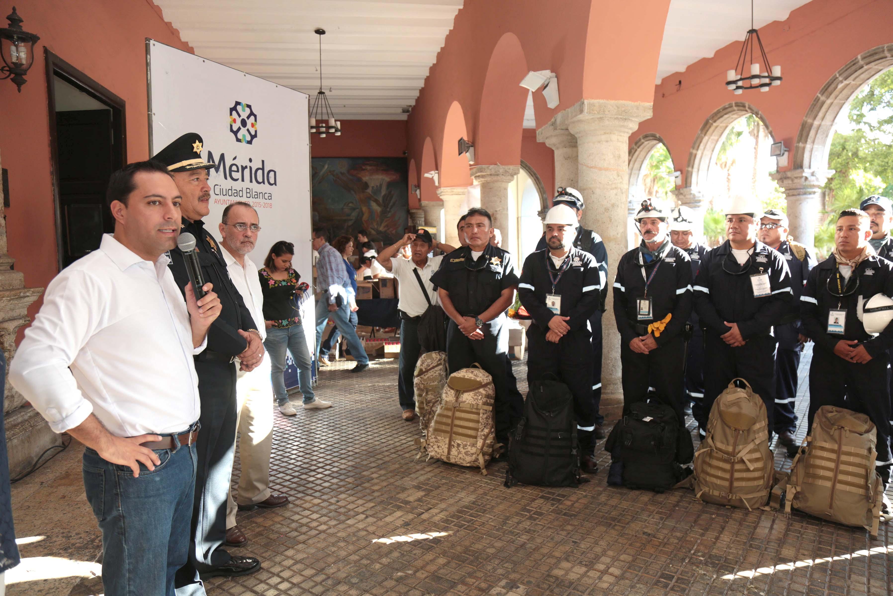 Voluntarios de Ayuntamiento Mérida viajan a ciudad de México