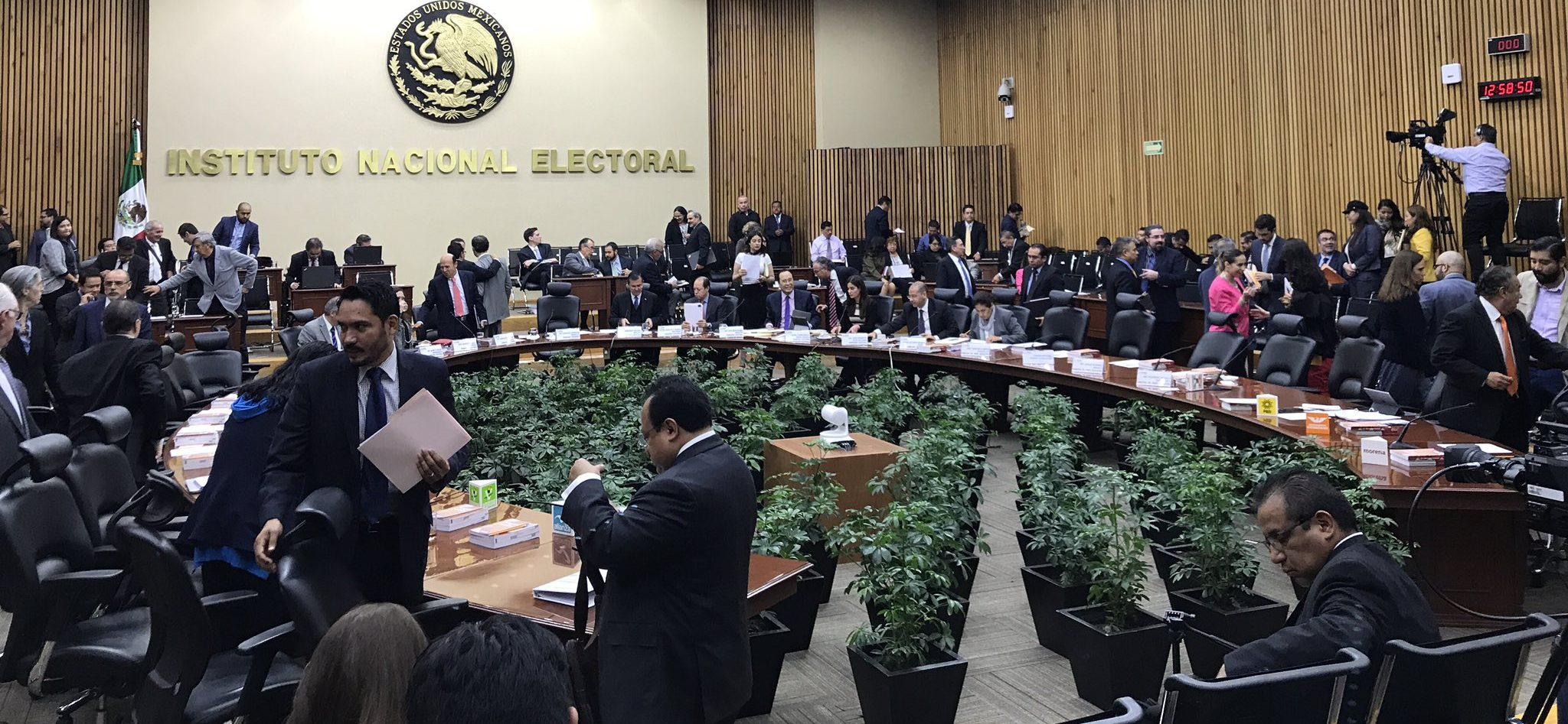 Con objeciones, aprueban nuevos integrantes de IEPAC