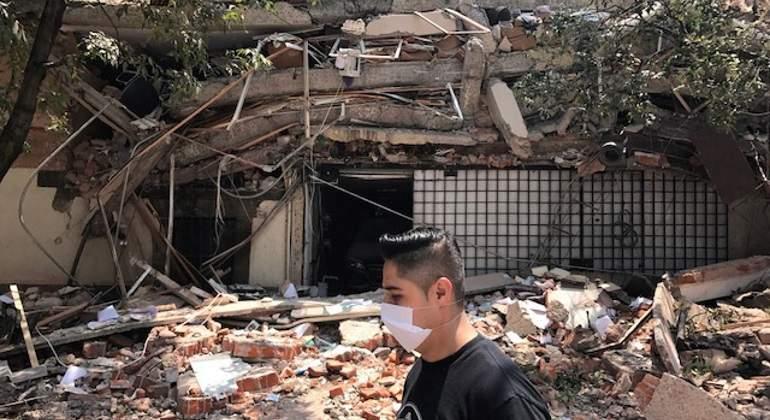 Lideran ciudadanos rescate y apoyo por sismo