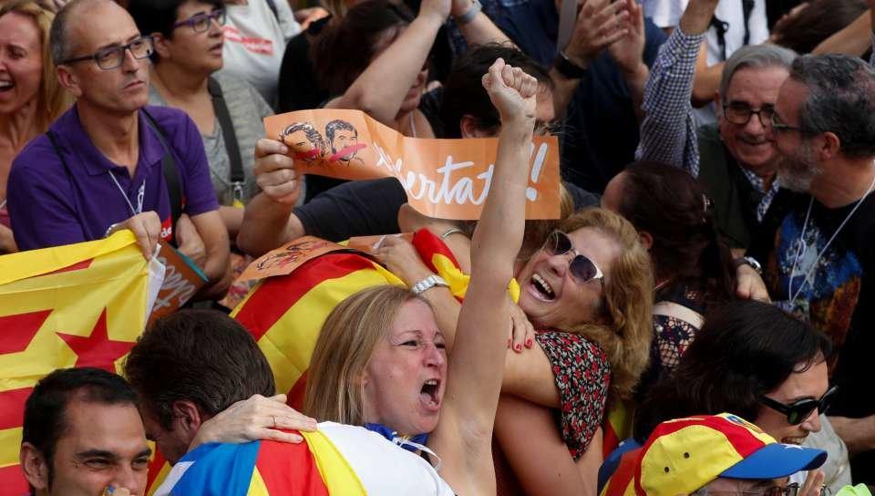 Parlament aprueba la resolución para declarar la independencia de Cataluña