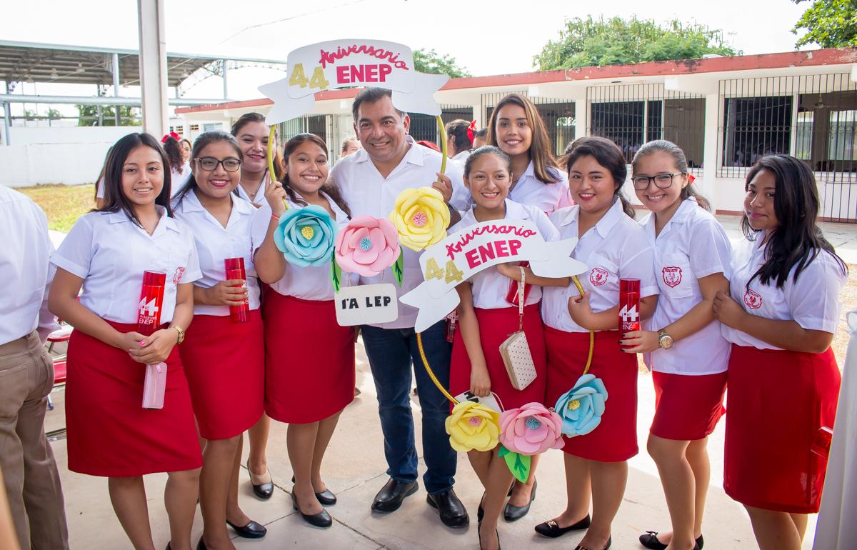 Escuela Normal de Educación Preescolar cumple 44 años
