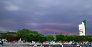 Para este martes, la probabilidad de lluvias se mantiene alta. En la imagen, un aspecto del cielo nuboso, en el norte de Mérida (Foto: Archivo/Eduardo Vargas9