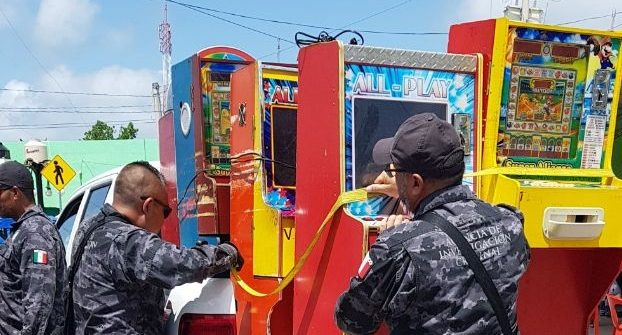 """Retira PGR 50 """"minicasinos"""" en Mérida"""