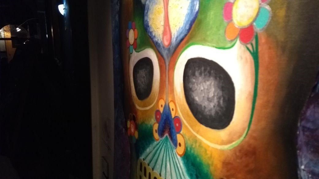 La Muerte frente al espejo: exposición de pinturas de niños (videos)