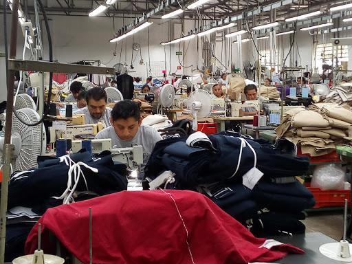 Remonta industria del vestido amagos en EU