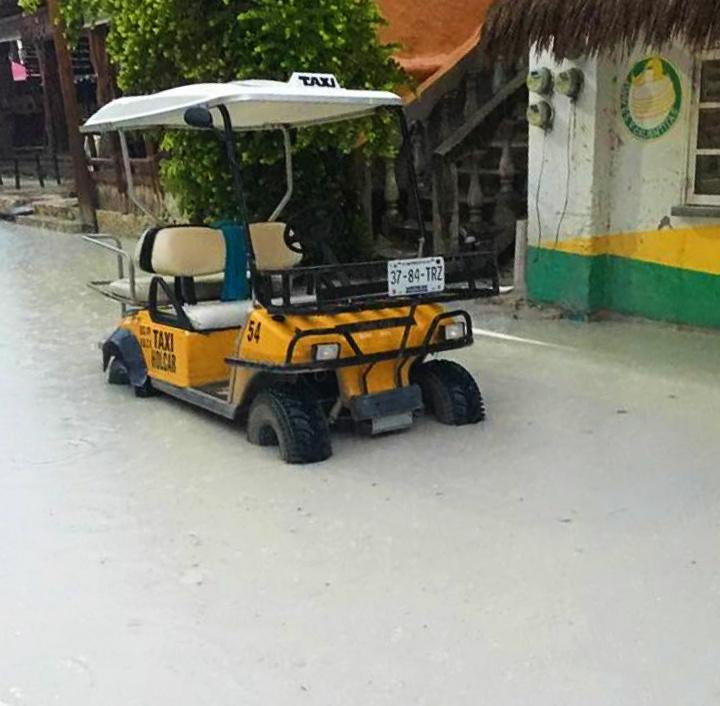 """Holbox se declara """"en quiebra"""": la rebasan las inundaciones"""