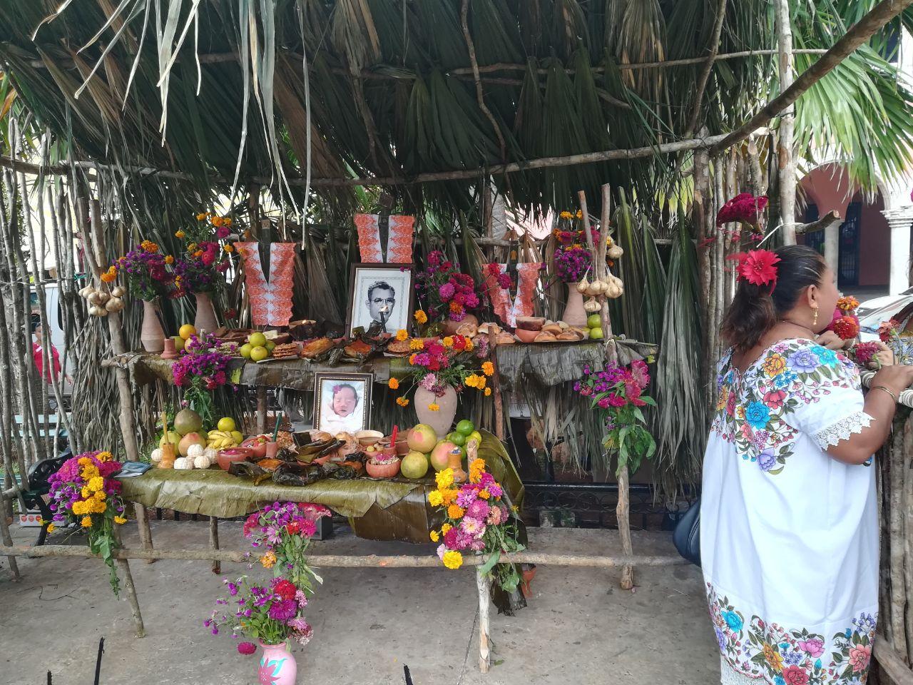 """Gran Muestra de Altares por difuntos, lugar de """"vivos"""""""