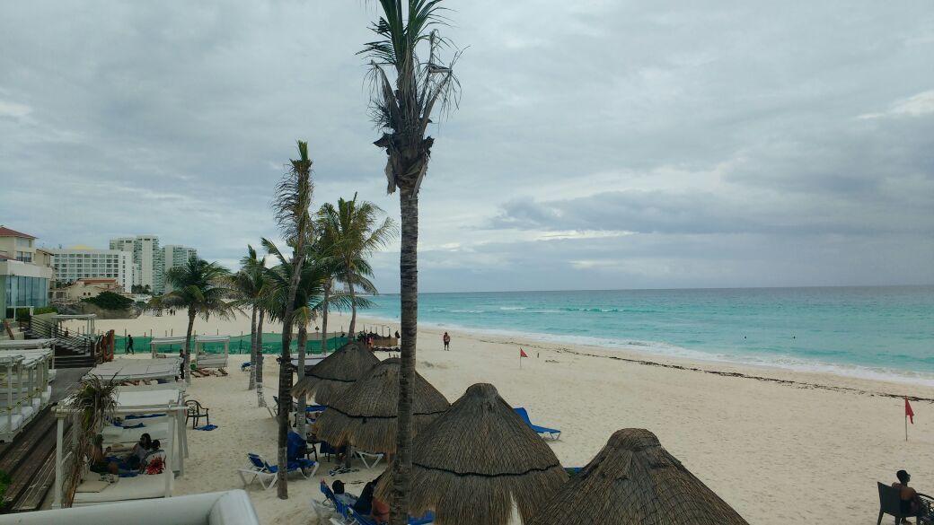 """Respira Caribe Mexicano por ligero desvío de """"Nate"""""""