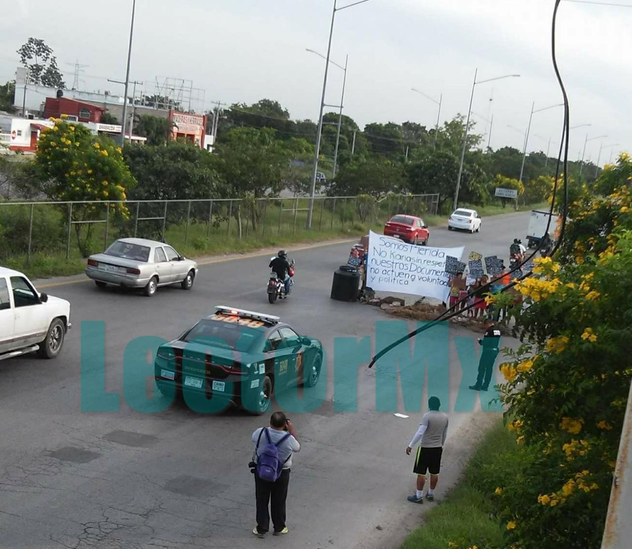 """En Kanasín alcalde """"se promueve"""" y colonos protestan"""