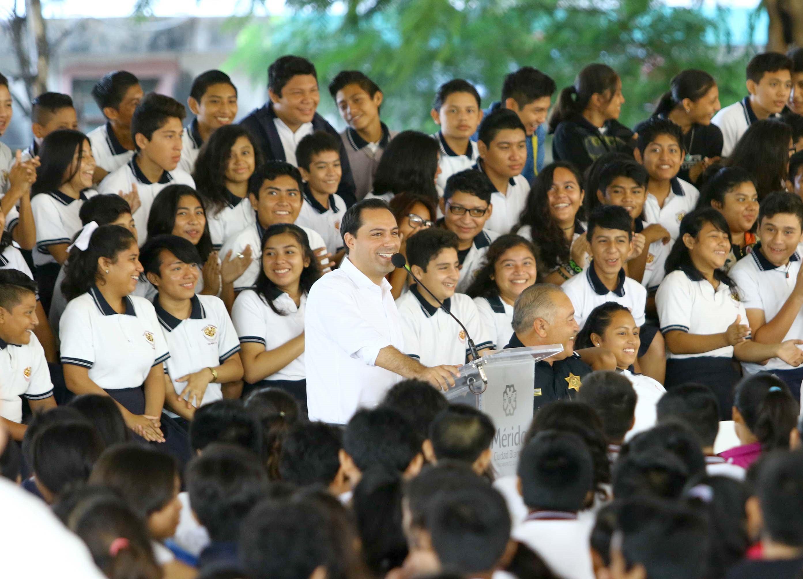 Clausura Mauricio Vila taller para prevención de violencia escolar