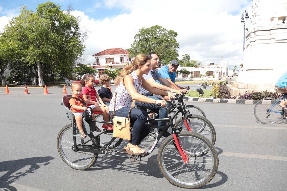 Celebran 11 aniversario de Biciruta dominical en Paseo de Montejo