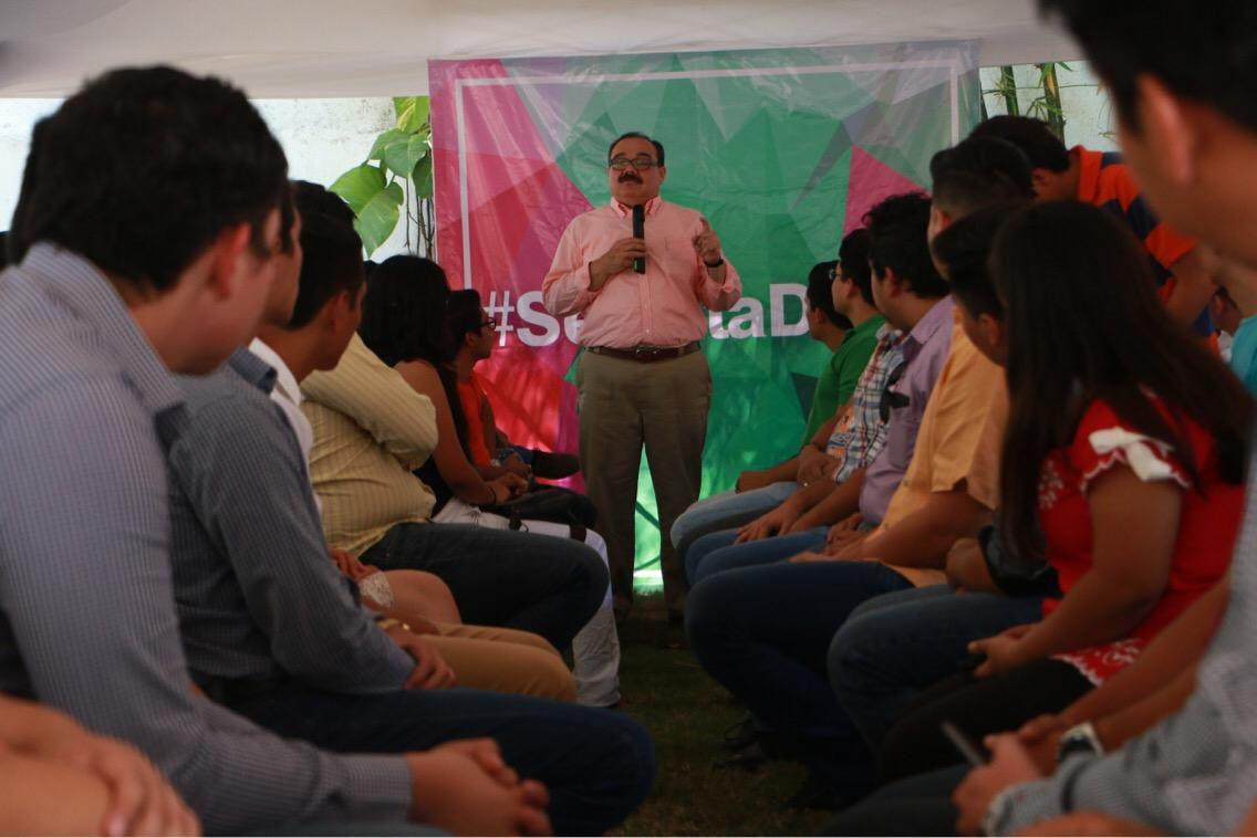 Ramírez Marín apoya a jóvenes para ingresar a universidad