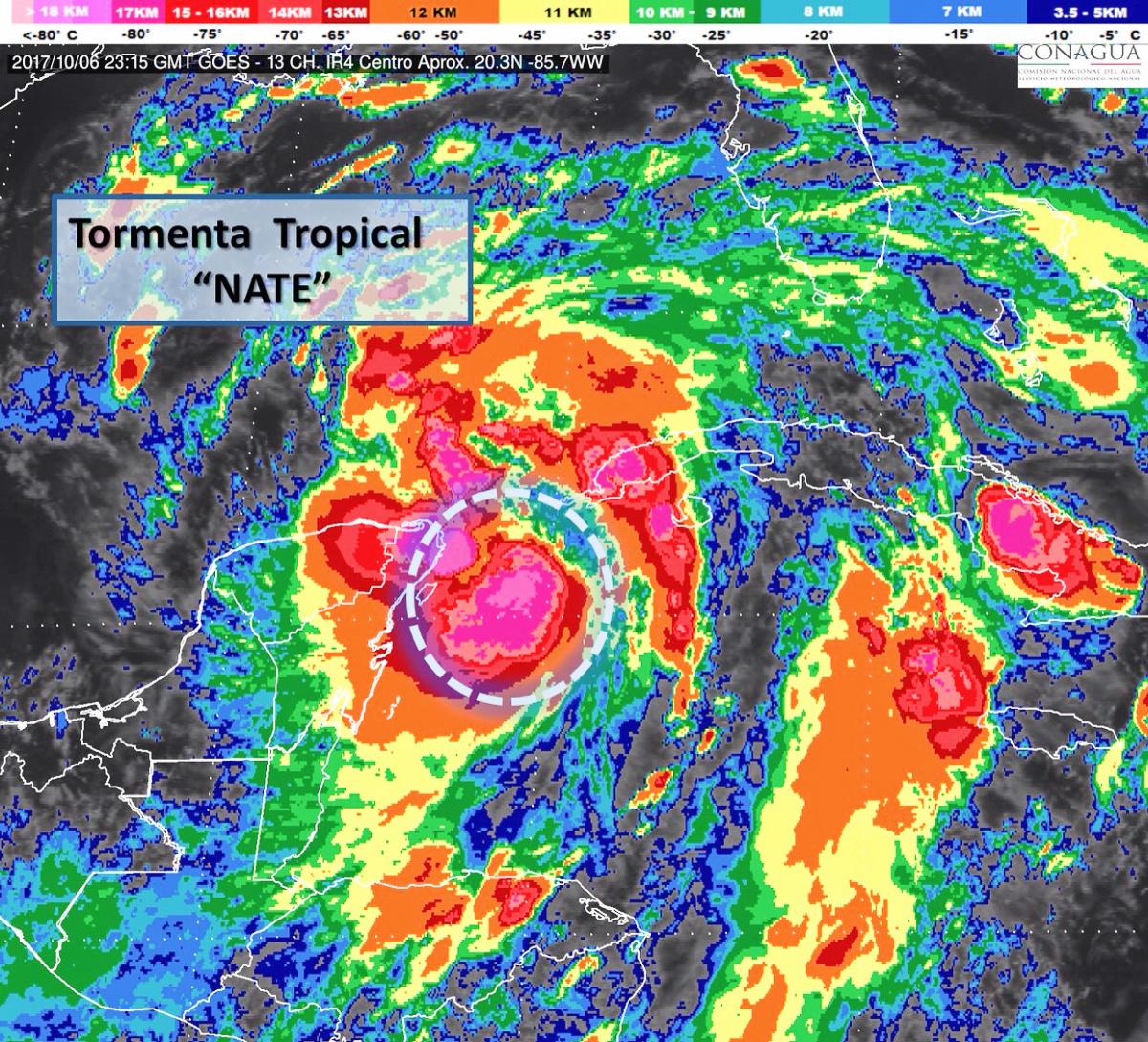 """""""Nate"""" llega al Canal de Yucatán con vientos más fuertes (video)"""