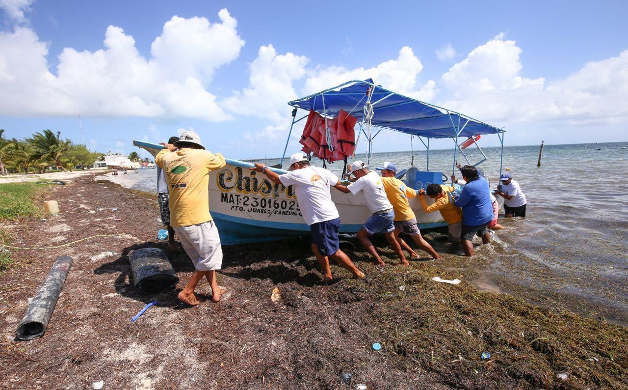 """Resguardan embarcaciones en Cancún por """"Nate"""""""