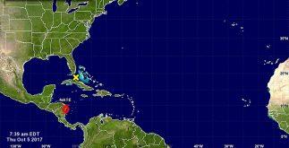 "Imagen del Centro Nacional de Huracanes que muestra a la tormenta tropical ""Nate"", prácticamente sobre Nicaragua"