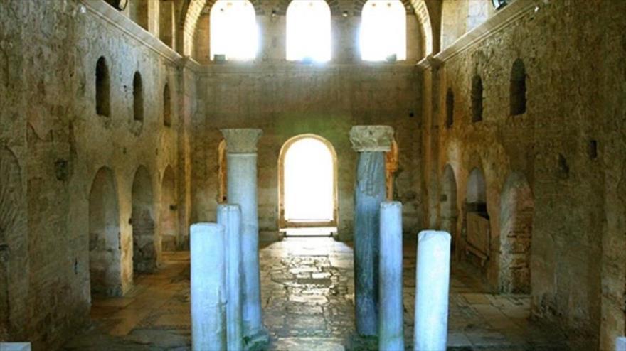 Arqueólogos afirman haber hallado la tumba del Papá Noel original