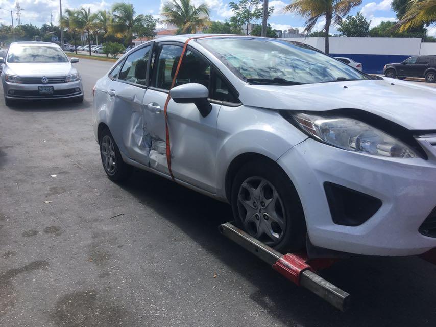 Mete presión conflicto de taxistas y UBER en Cancún