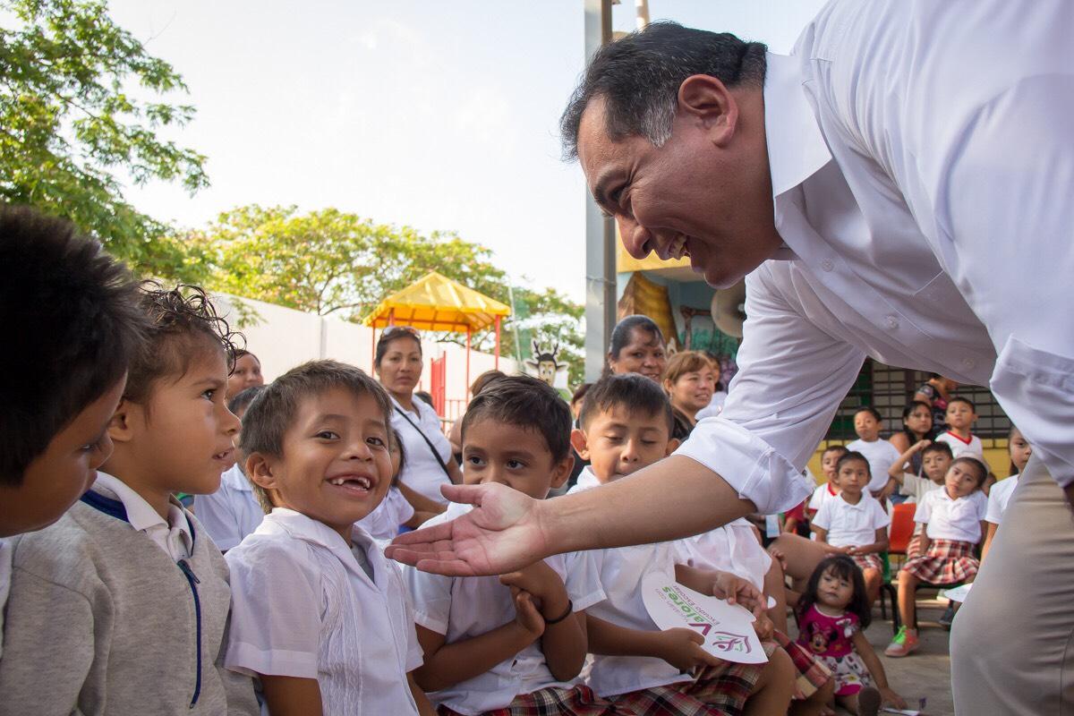 Niños de Educación Indígena tendrán libros en lengua maya