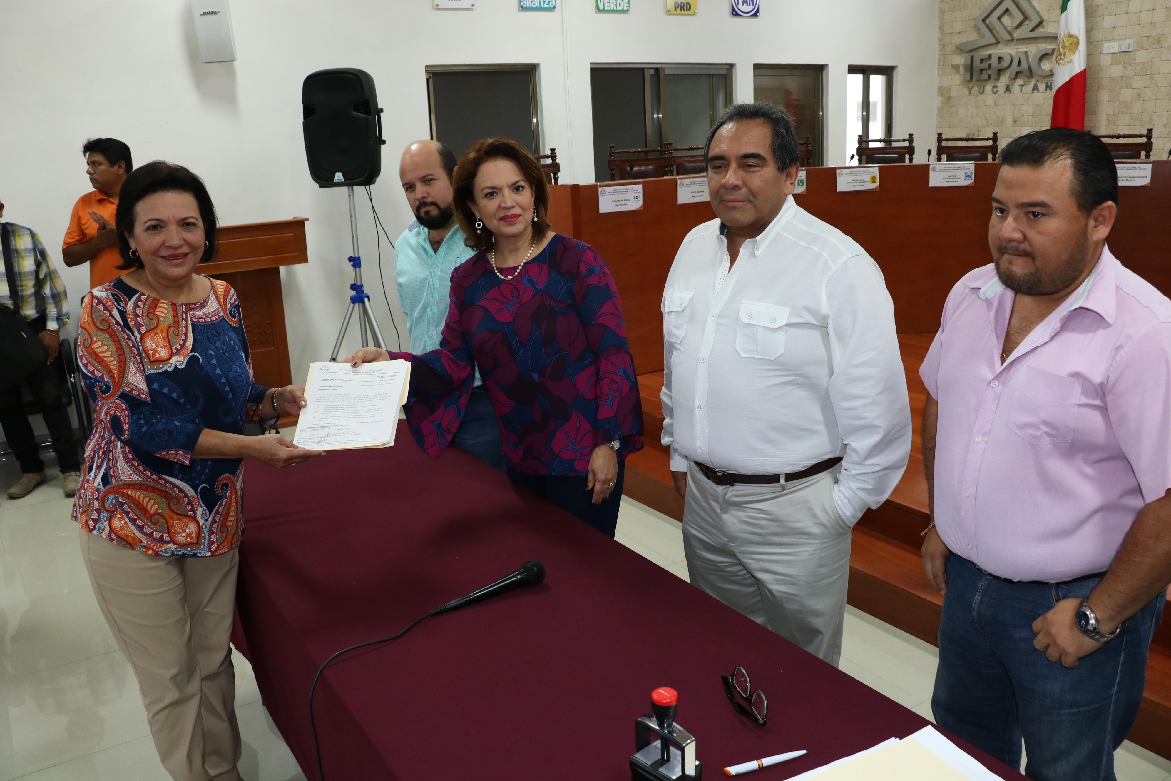 Liga Sofía Castro sus aspiraciones con las de Margarita Zavala