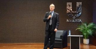 Luis Ernesto Derbez Bautista en Univeridad Marista (6)