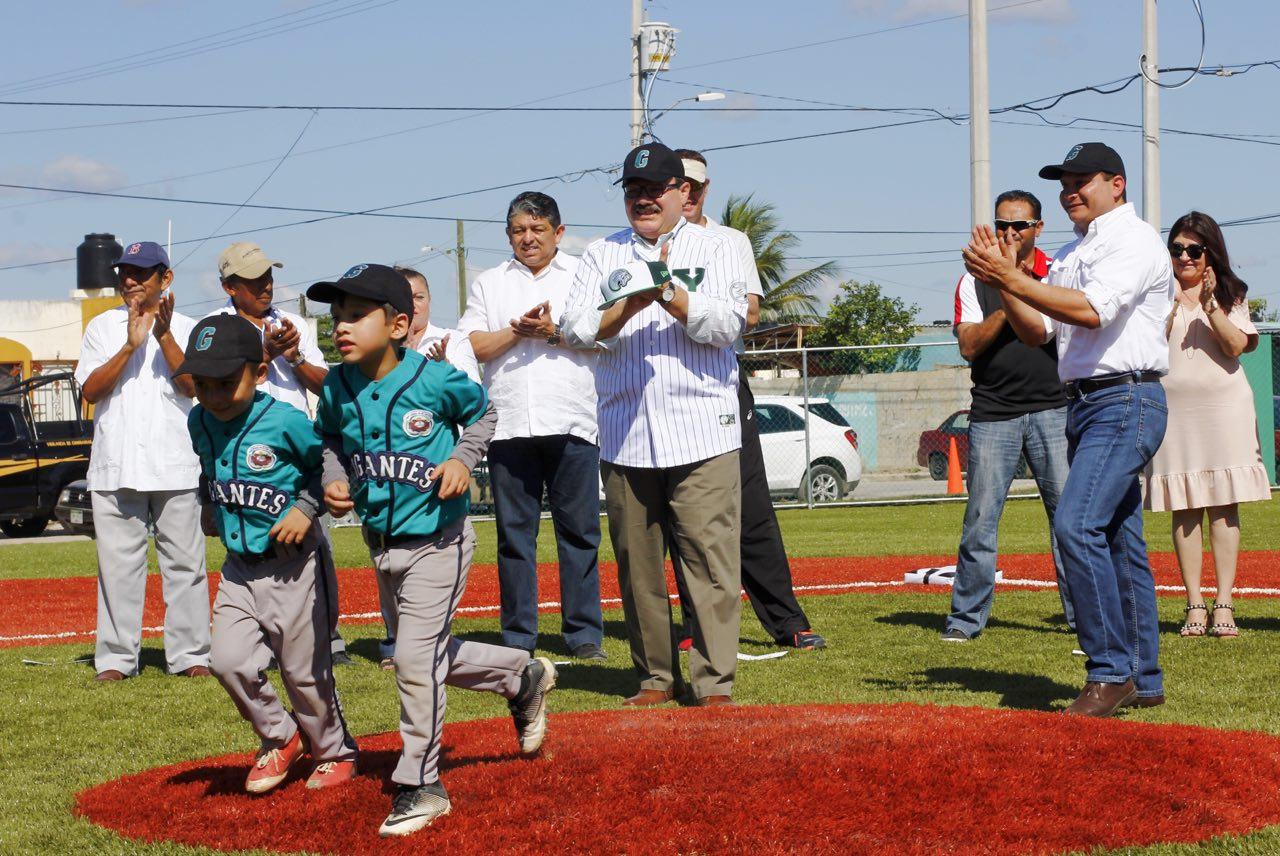 Inauguran primer campo de béisbol infantil en Kanasín
