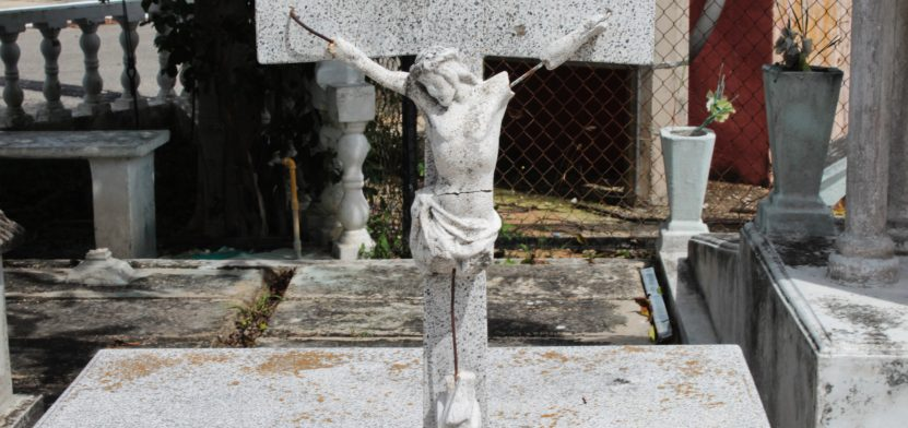 Cristo en una tumba