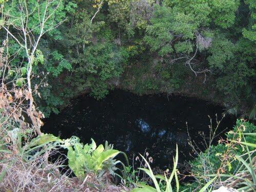 A rescate cenote de Uayma, contaminado por desechos