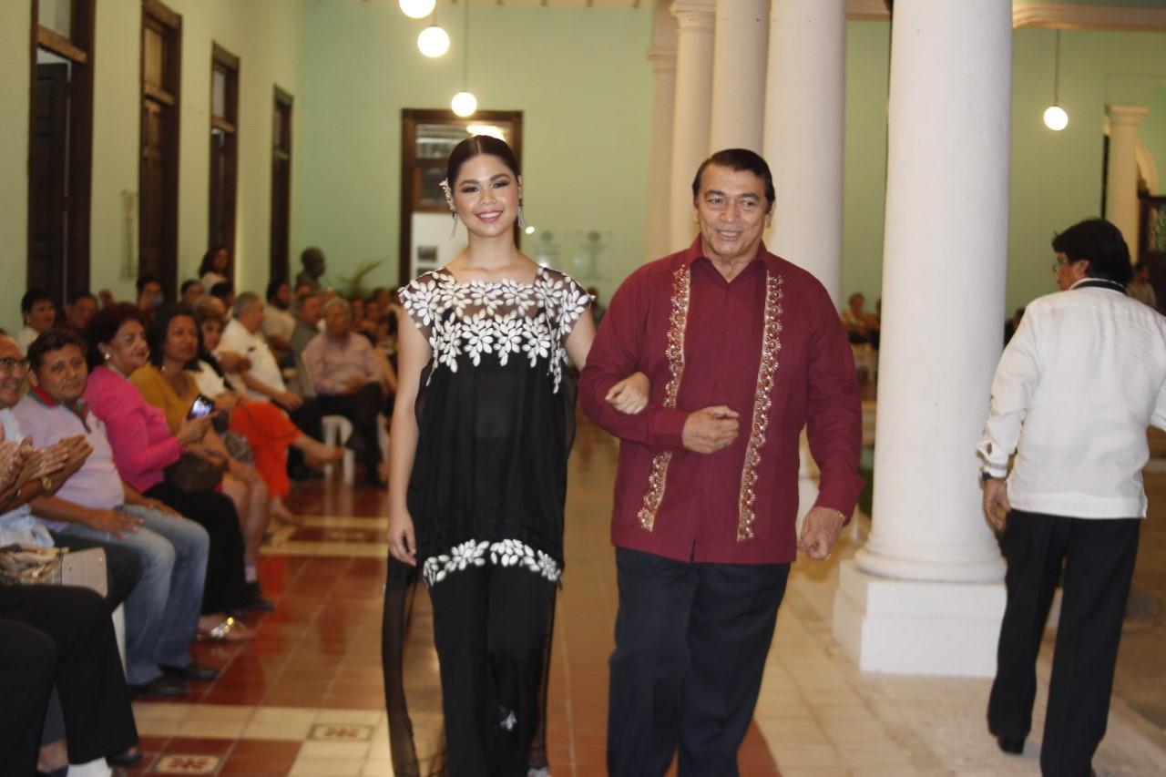 La guayabera, protagonista principal de velada cultural