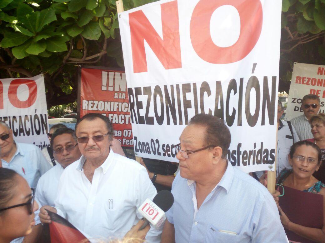 Protestan por rezonificación de supervisión escolar en secundarias