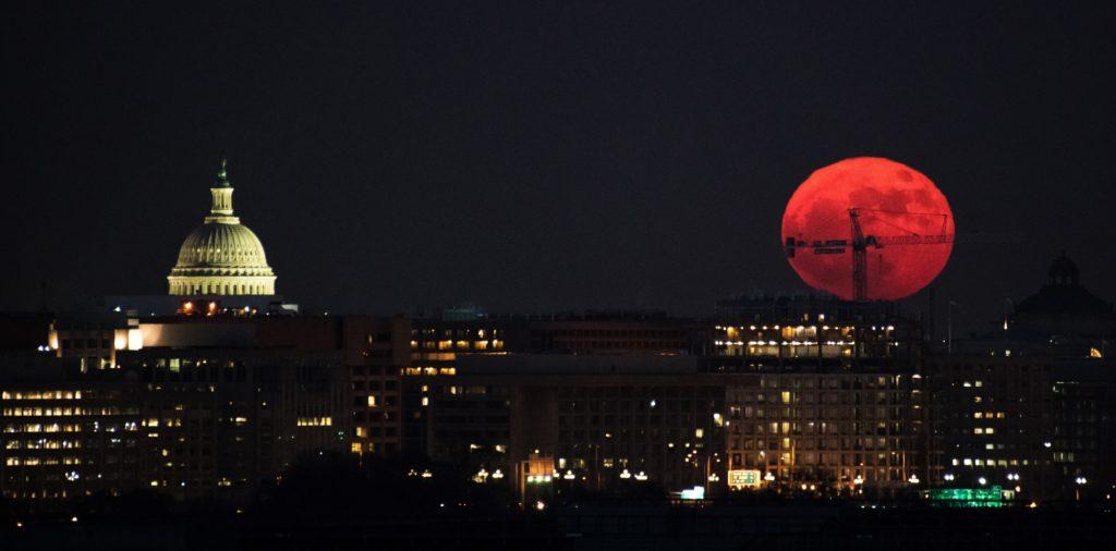 Superluna del 3 de diciembre de 2017, en Washington. (Fotos tomadas de la NASA)