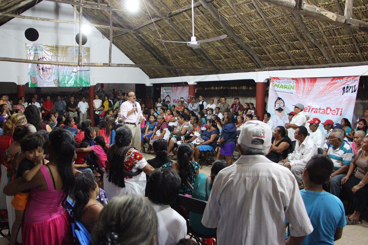 Ramírez Marín apoya a comunidades mayas de Yucatán