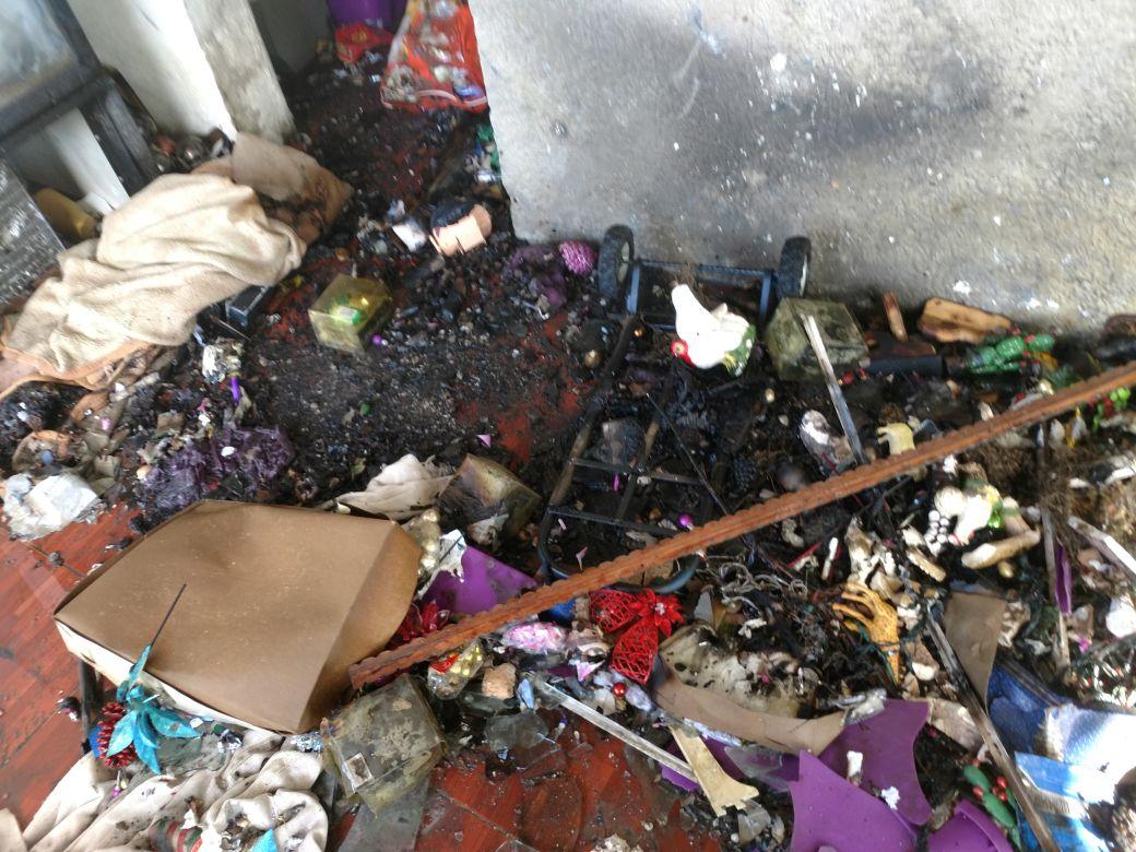 Incendio por pirotecnia en Isla Mujeres exhibe venta ilegal