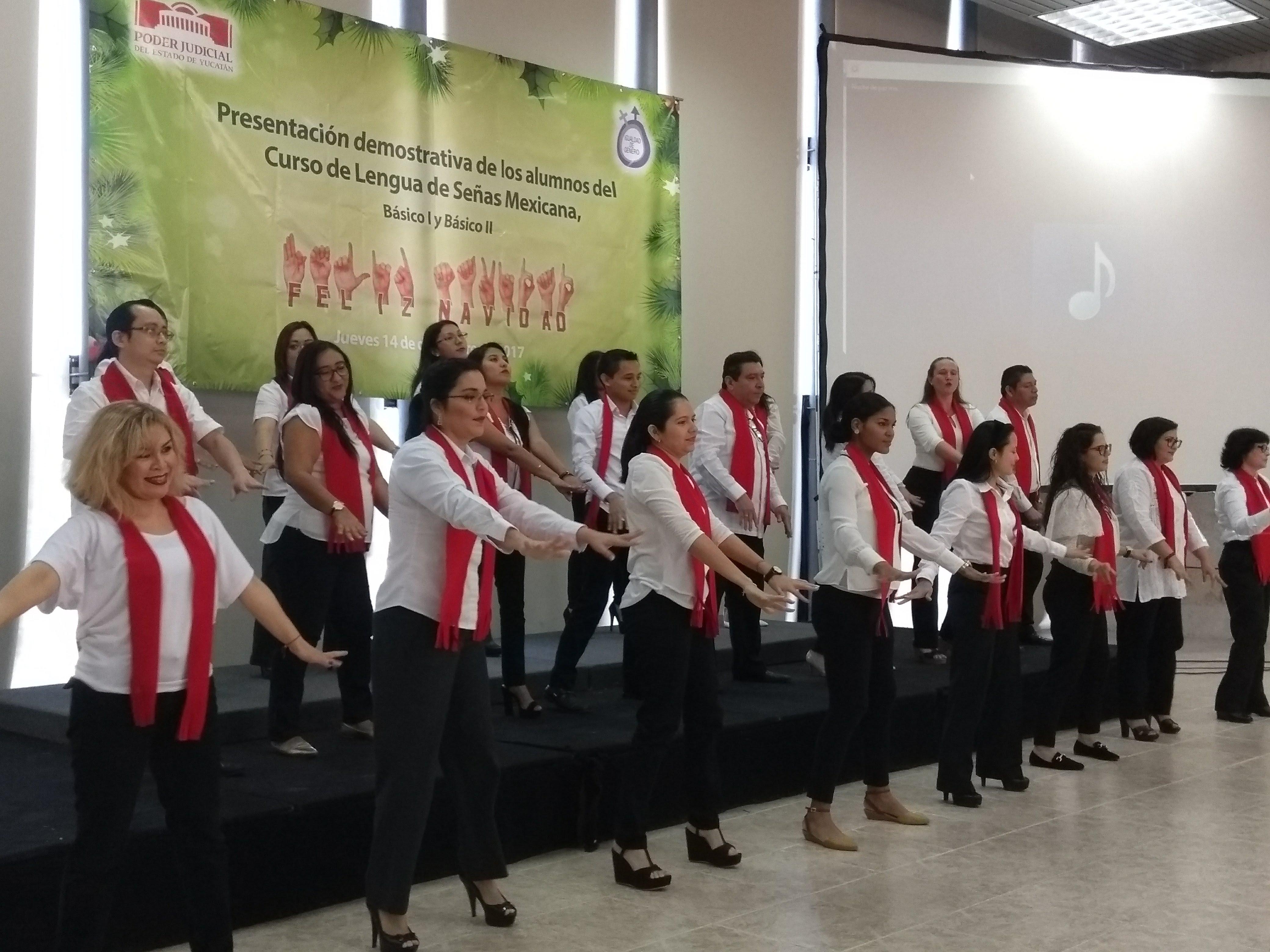 Capacitan en lenguaje de señas a personal de Poder Judicial Yucatán