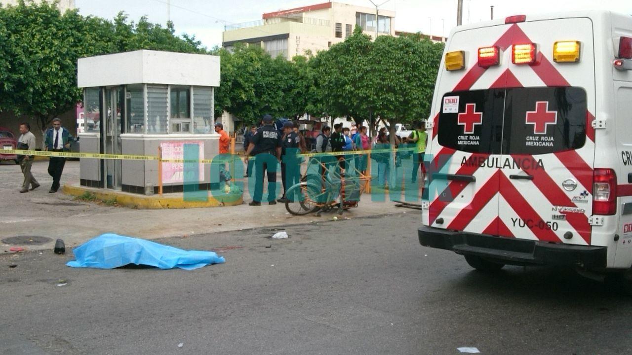 Muere conductor de triciclo atropellado por camioneta