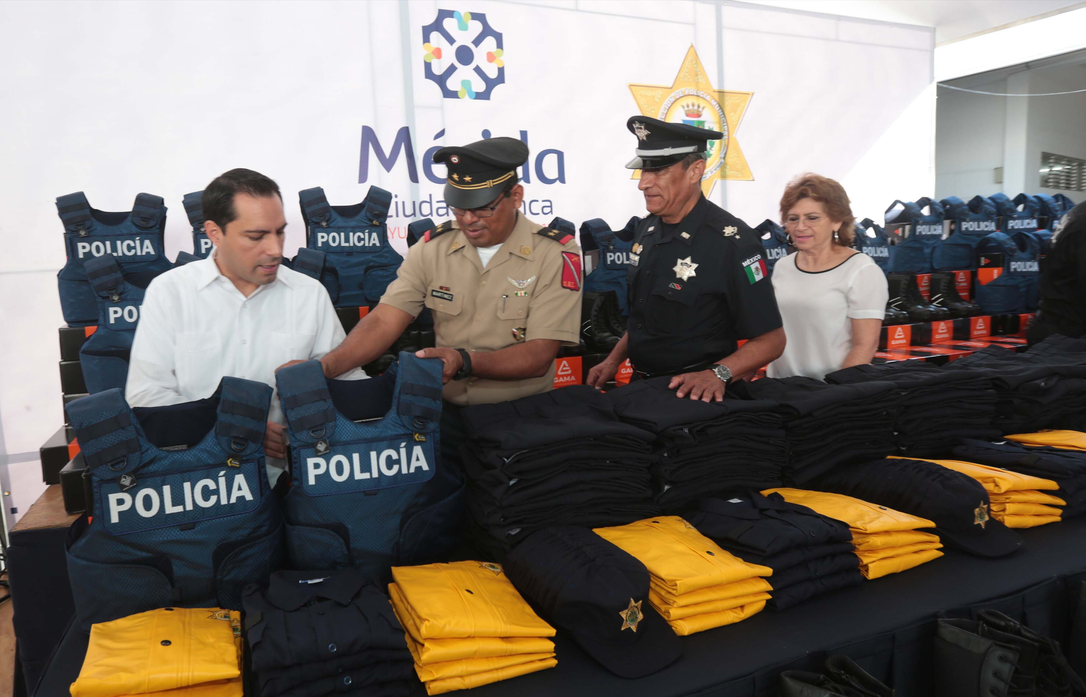 Remarca Vila niveles de seguridad pública en Mérida
