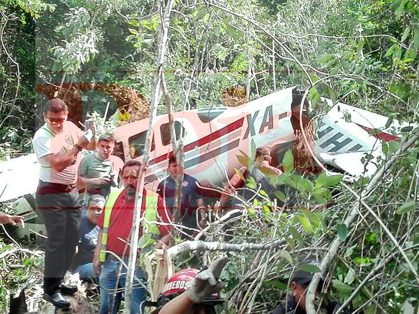 Cae avioneta en Riviera Maya; rescatan salvos a turistas