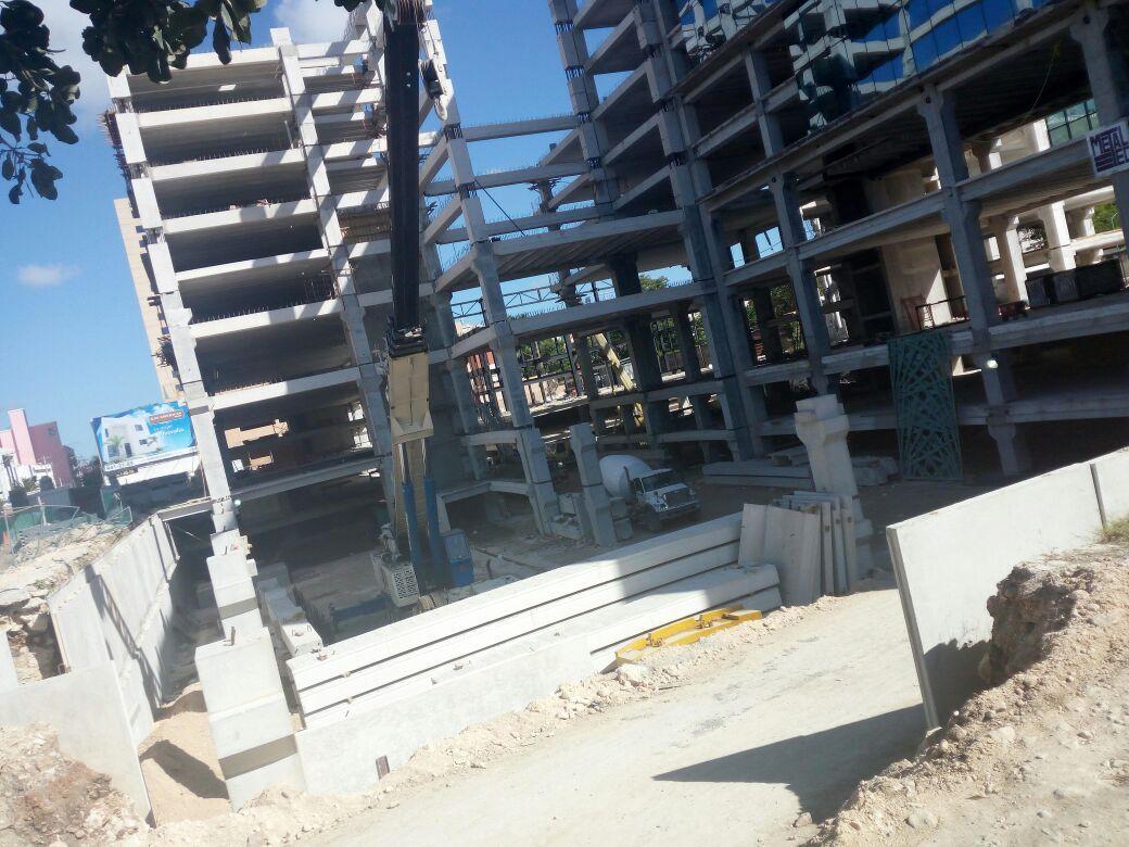 En marcha peritajes por derrumbe de hotel en construcción