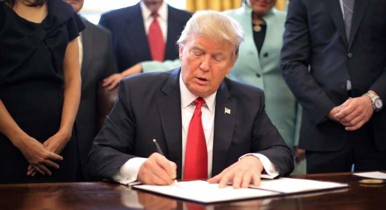 Donald Trump promulga su reforma fiscal