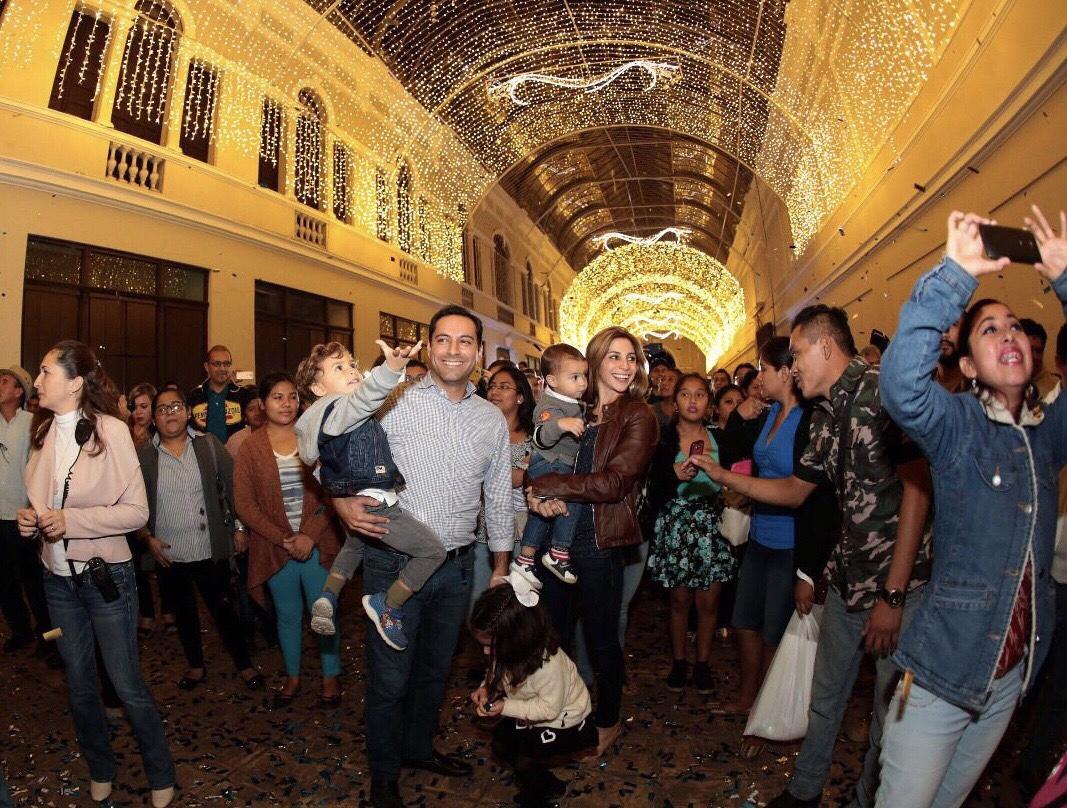 Alcalde Mauricio Vila abrió Paseo Mágico en Pasaje Revolución