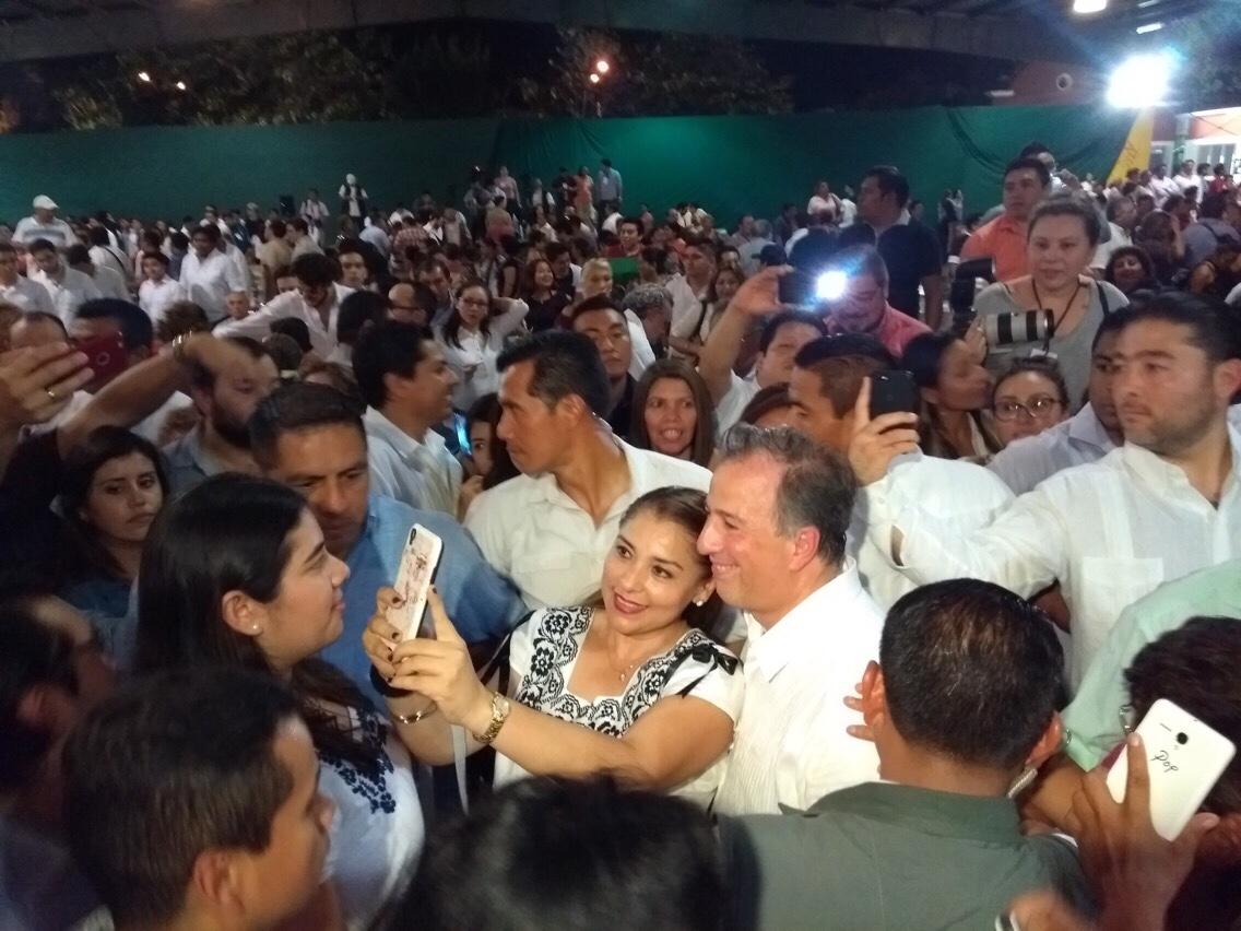 Casi mudo, Meade Kuribreña pidió apoyo al priismo yucateco